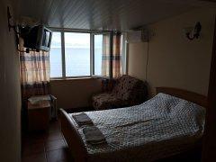Стандарт с видом на море (3-й этаж)