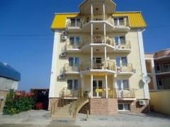 Отель в Прибрежном