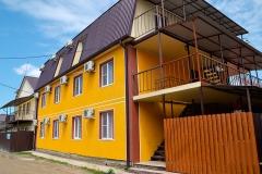 Гостевой дом Кубань с личной и общей кухней Голубицкая